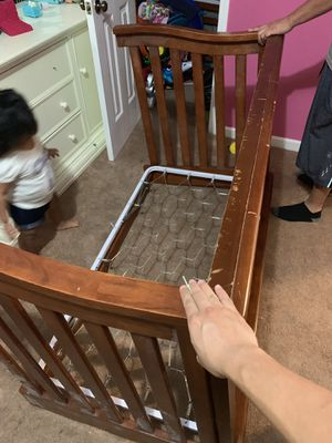 Free, baby crib/no matress for Sale in Lawrenceville, GA