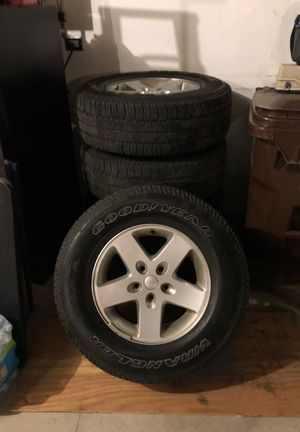 2017 Jeep Wrangler unlimited rims and tires for Sale in New Lenox, IL