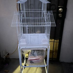 White Bird Cage With Stand for Sale in East Los Angeles, CA