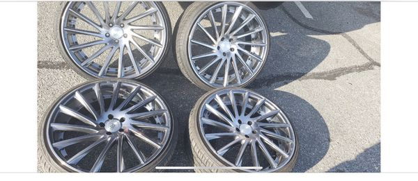 22 inch Staggered Rims