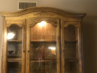 Beautiful Wood China Cabinet for Sale in Glendale,  CA