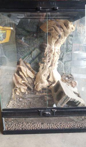 Zilla reptile tank for Sale in Loma Linda, CA