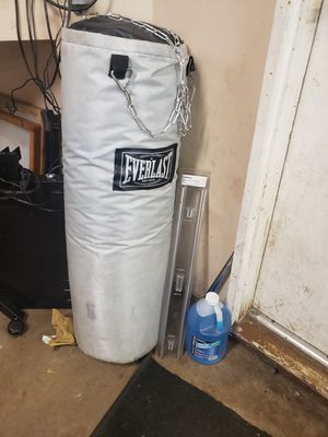 punching bag for Sale in Streamwood, IL