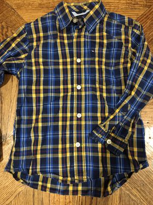 SHIRT FOR BOY SIZE 5 TOMMY HILFIGER for Sale in Irving, TX