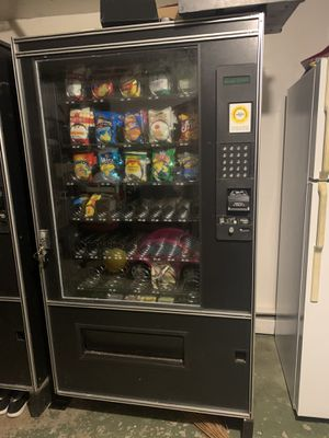 Snacks vending machine for Sale in Harrisburg, PA