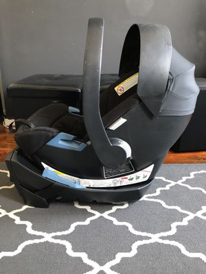 Cybex infant car seat and base for Sale in Brooklyn, NY