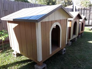 Extra Large 4x4 dog house for Sale in Houston, TX