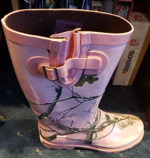 Real tree ladies rain boots for Sale in Virginia Beach, VA