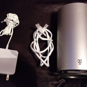 Tmobile high Speed Rechargeable router for Sale in Lakeside, CA