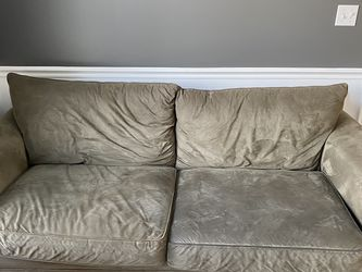 Olive Green Sofa From Jordan's, FREE for Sale in Middleton,  MA