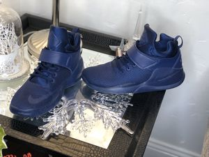 Nike kwazi size 10 for Sale in Dallas, TX