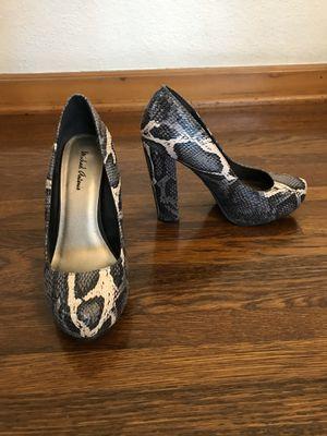 Snakeskin shoes heels pumps for Sale in Glendale, CA