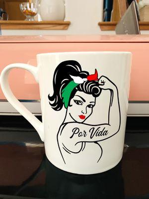 Rosie The Riveter Por Vida Tatoo Mug for Sale in Moreno Valley, CA