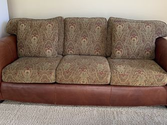 Leather Sofa for Sale in Plainfield,  IL