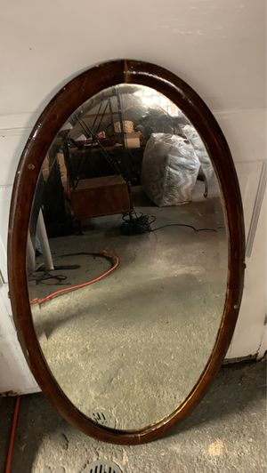 Antique oval mirror for Sale in St. Louis, MO