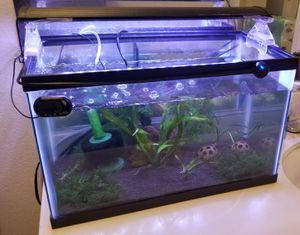 Aqeon 10 Gallon Fish Tank for Sale in Los Angeles, CA