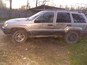 Jeep Grand Cherokee Laredo for Sale in Bourbon, MO