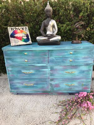 Solid wood Dresser for Sale in Miami, FL