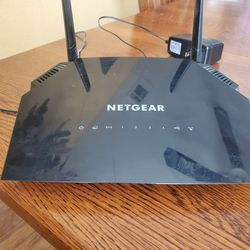 Netgear Router for Sale in Adelanto,  CA