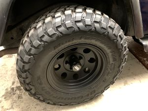 Jeep tj wrangler tire and wheel set km3's 31 1050 15 for Sale in Chandler, AZ