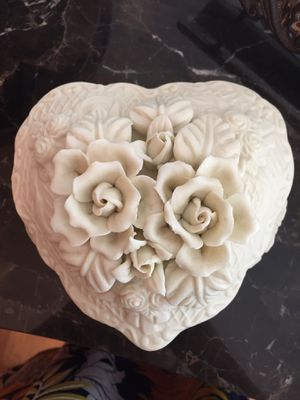 Large White bisque heart trinket jewelry box with lid for Sale in Mission Viejo, CA