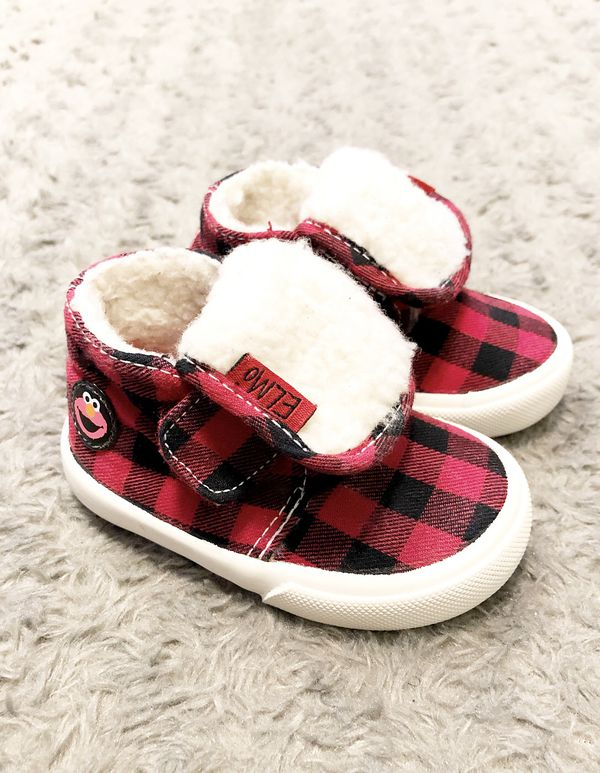New! Elmo plaid shoes paid $28 Size 3M. Cozy Sesame Street Elmo Red Plaid Toddler Boys sneaker/boots.