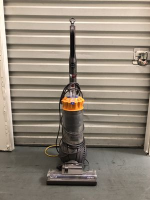 Dyson Vacuum Cleaner for Sale in Los Angeles, CA