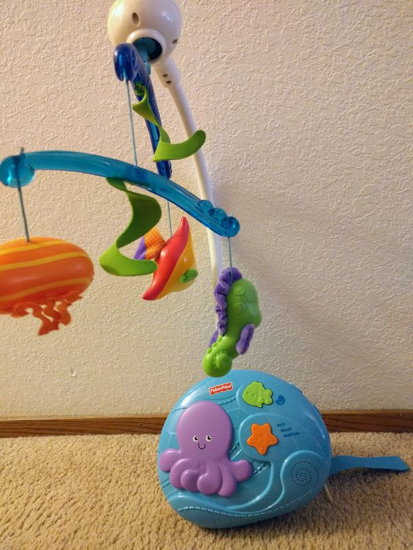 Fisher Price baby crib mobile