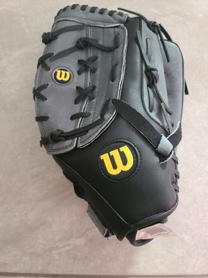 "Wilson Sporting Goods A360 14"" Slowpitch Right-Handed Softball Glove for Sale in Carson, CA"