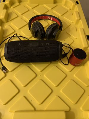Wireless Bluetooth Lot w/ FREE Headset for Sale in New York, NY