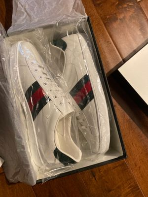 Brand new in box Gucci sneakers sneakers size 9 for Sale in Los Angeles, CA