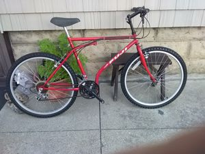Fuji mountain bike for Sale in Cleveland, OH