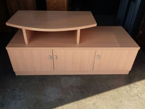 NICE TV STAND BIRCH COLOR for Sale in Bassett, CA