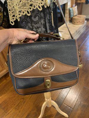 Dooney and Bourke messenger shoulder bag for Sale in Round Rock, TX