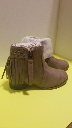 Girls boots size 10.5 for Sale in Palmview, TX