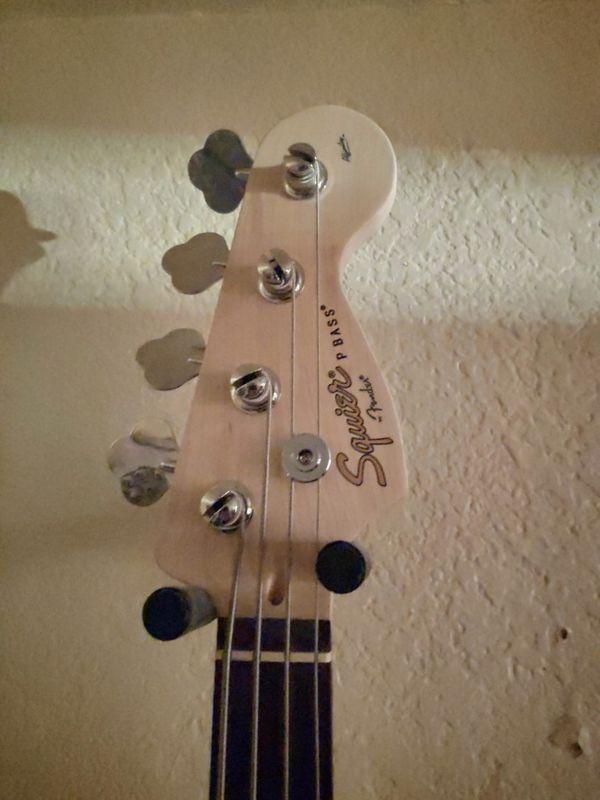 squire precision bass