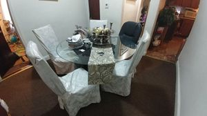 Dinning room on good condition for Sale in Boston, MA