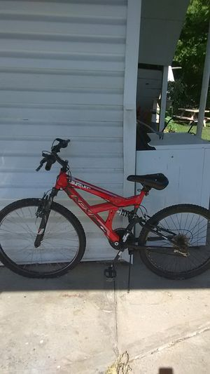 24 inch men bike needs gust front tire for Sale in Elkland, PA