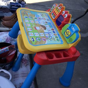 playskool sl/vtech learning desk/playskool foam mat/Crockpots/Wine glasses for Sale in Fresno, CA