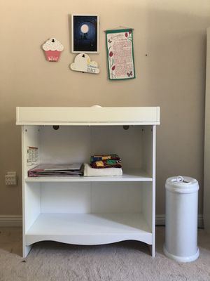 IKEA SMAGORA changing table/ bookshelf with changing pad and Uggi diaper pail for Sale in San Diego, CA