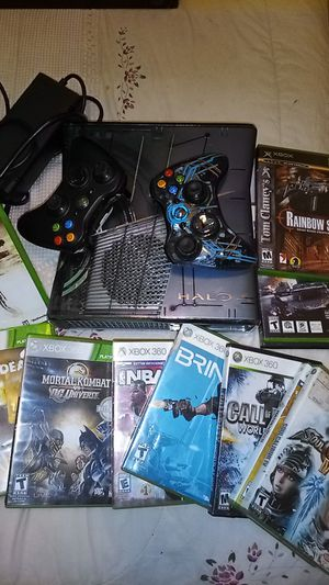 Great shape Xbox 360 , with 14, games, two controllers for Sale in Gastonia, NC