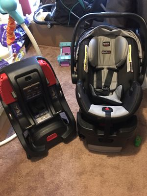 Britax car seat used comes with two bases$35obo for Sale in SPRINGFLD Township, MI