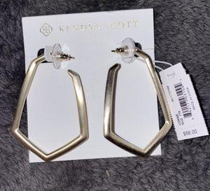 Kendra Scott Gold Loonie Hoop Earring for Sale in Wheaton, IL