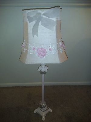 Beautiful pink table lamp for Sale in Salt Lake City, UT