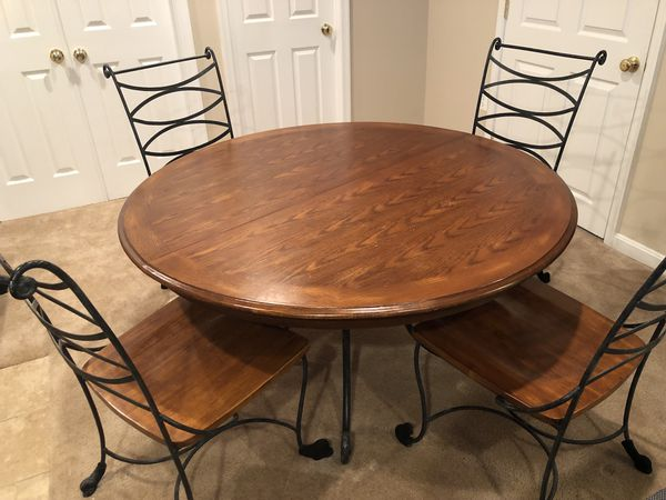 Dining Table Set with Leaf and 6 chairs