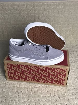 The Jewel Eyelets Old Skool, Size 3 New with box the Vans classic skate shoe and first to bare the iconic sidestripe, is a low top lace-up featurin for Sale in Buckhannon, WV