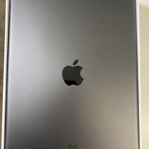 I Pad 10.2inch 32gb for Sale in Selma, CA