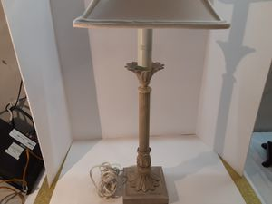 IREALLY NEAT LAMP OFF WHITE AND BEIGE for Sale in Arnold, MO