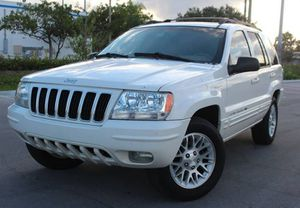 Low Price 2004 Jeep Grand Cherokee AWDWheels for Sale in Santa Ana, CA