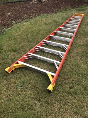 Werner 12 ft ladder heavy duty 300 lb rating almost new for Sale in Seattle, WA